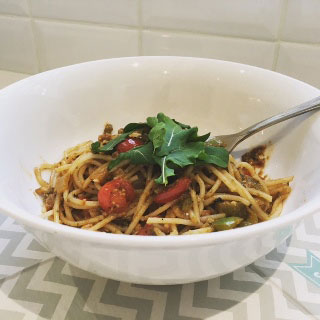 Green Pepper and Cherry Tomato Pesto Pasta - Lisa Fine